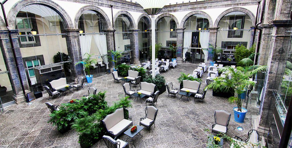 Palazzo Caracciolo 4* - napoli