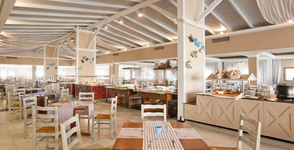 Tanti bar e ristoranti vi offrono il meglio della gastronomia internazionale