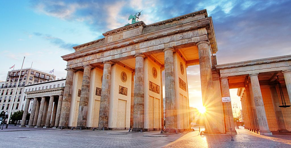 Visitate le principali attrazione della città, come la Porta di Brandeburgo