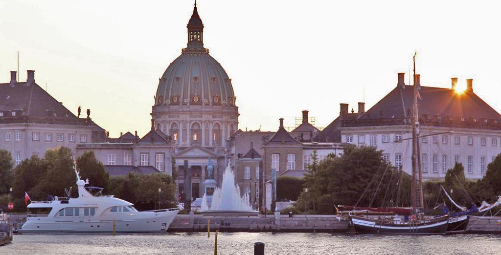 Visitate il palazzo di Amalienborg, residenza ufficiale dei Reali danesi