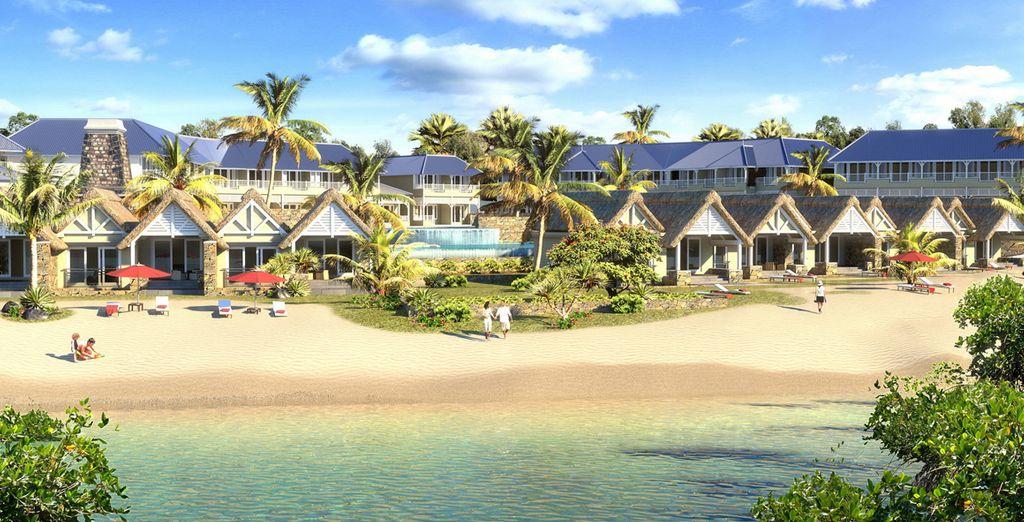 Un resort moderno situato ai margini di una  bianchissima spiaggia vi attende