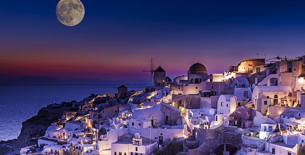 Het avondlicht van Santorini