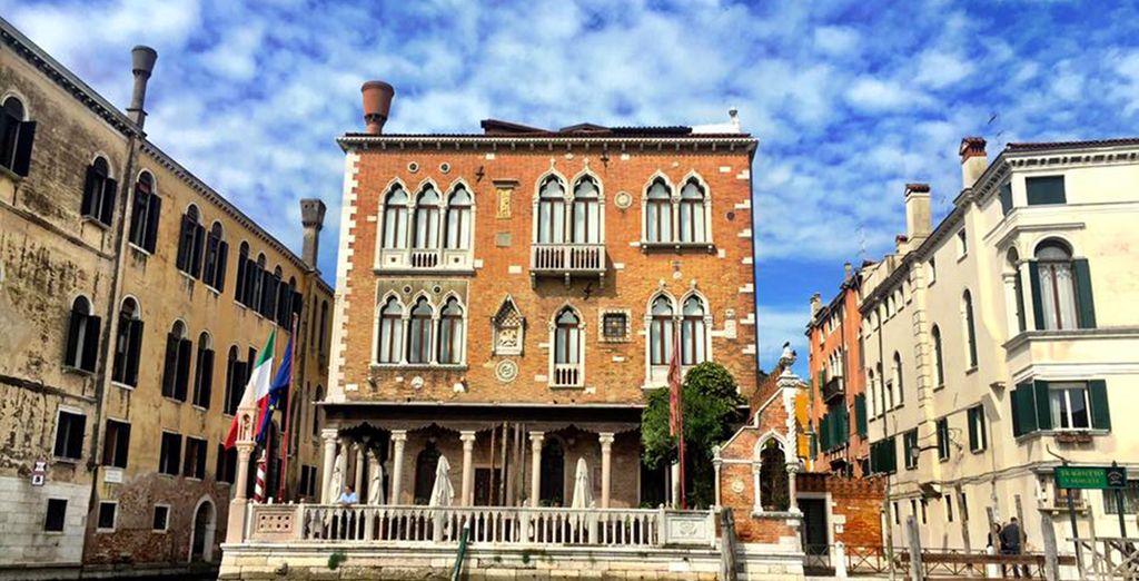 Verblijf in een traditioneel Venetiaans paleisje aan het water