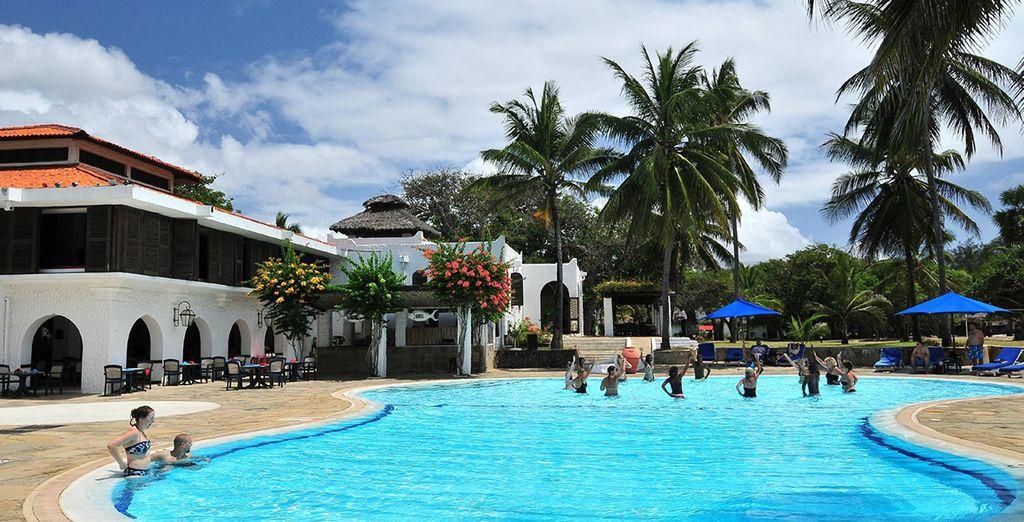 Neem een frisse duik in het zwembad