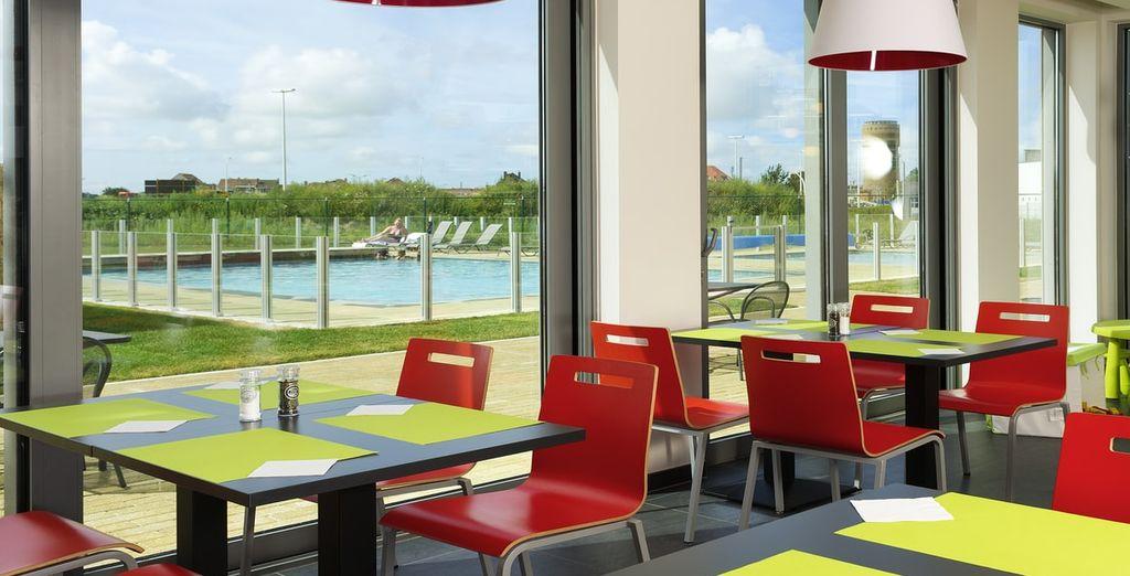 U kunt ervoor kiezen om te dineren in het hotel of in een van de nabijgelegen steden