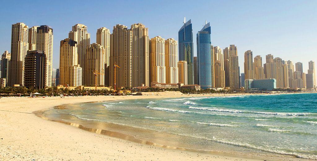 Op een steenworp van de beroemde stranden van Jumeirah Beach