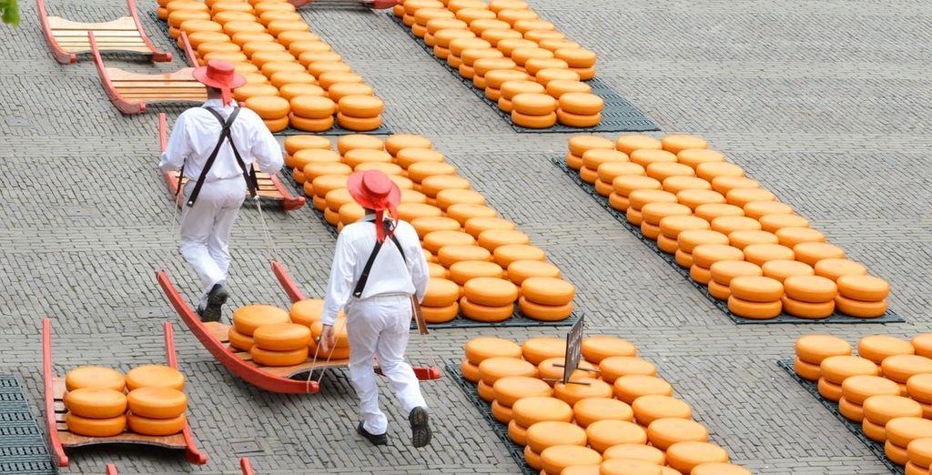 Neem een kijkje bij de beroemde kaasmarkt in Alkmaar