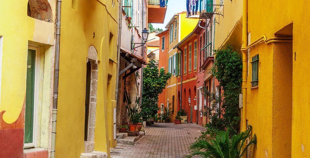 Bewonder het kleurrijke doolhof van schilderachtige straatjes in het oude centrum van Nice