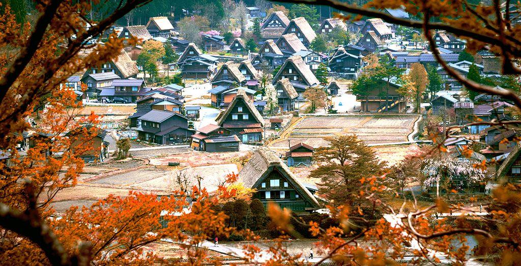 Ga ook op verkenning naar Shirakawago met zijn authentieke huizen met rieten daken