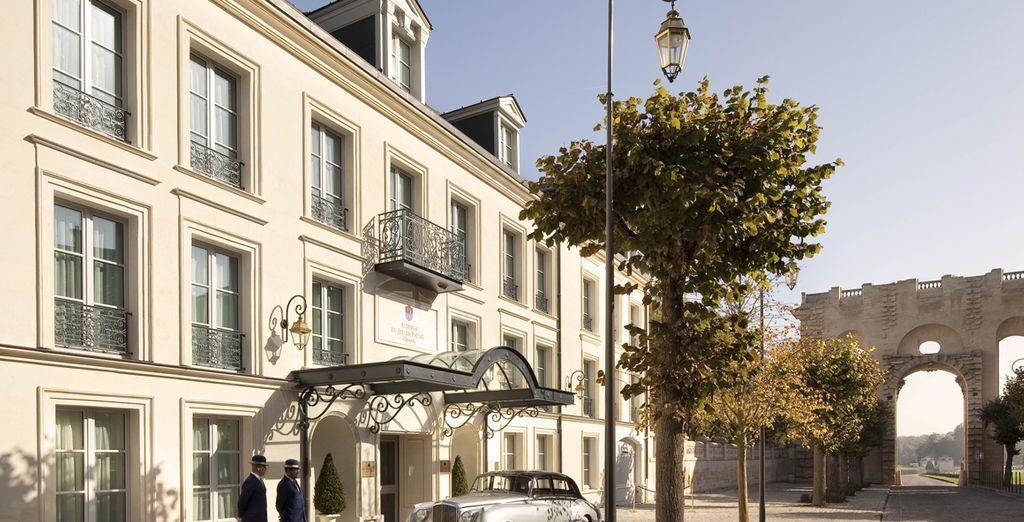 U verblijft in het uitzonderlijke hotel Auberge du Jeu de Paume 5*