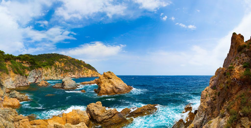 Bezoek het nabijgelgen Tossa de Mar
