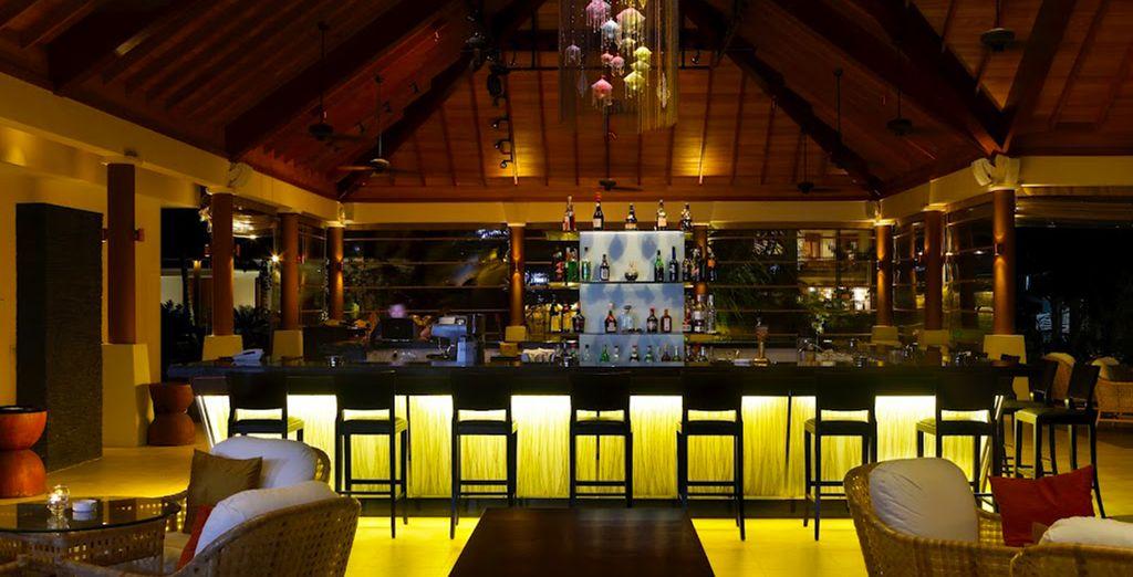 Neem een cocktail bij de exotische bar