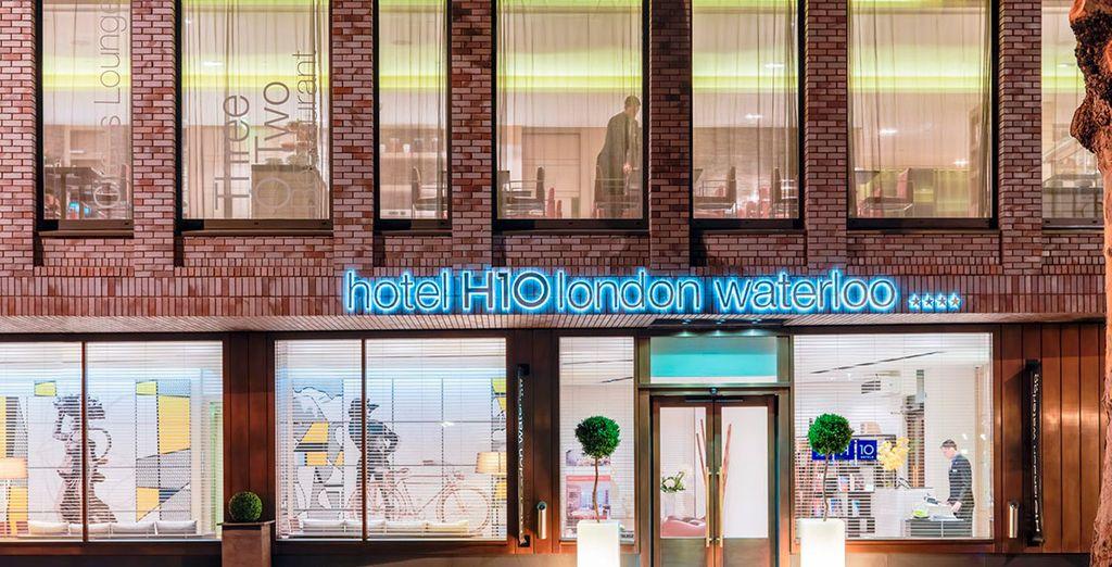 Dit hotel is gevestigd in een stijlvol nieuw gebouw