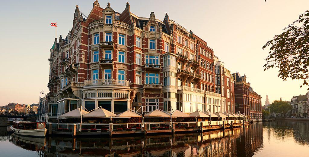 U verblijft in het iconische 5* hotel de l'Europe...