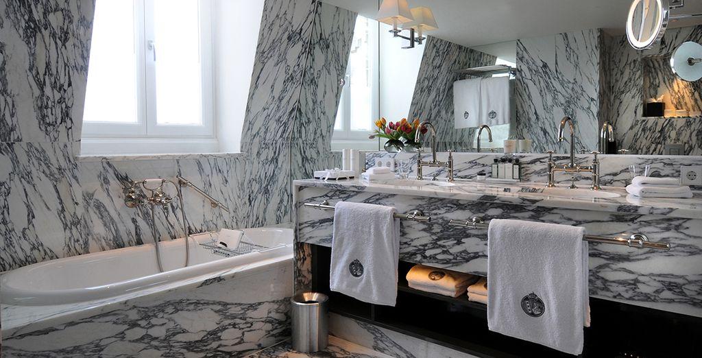 Met een bijna koninklijke badkamer