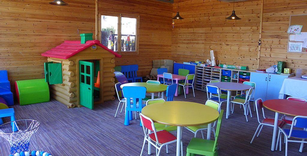De kinderen kunnen naar hartelust spelen in de Mini Club