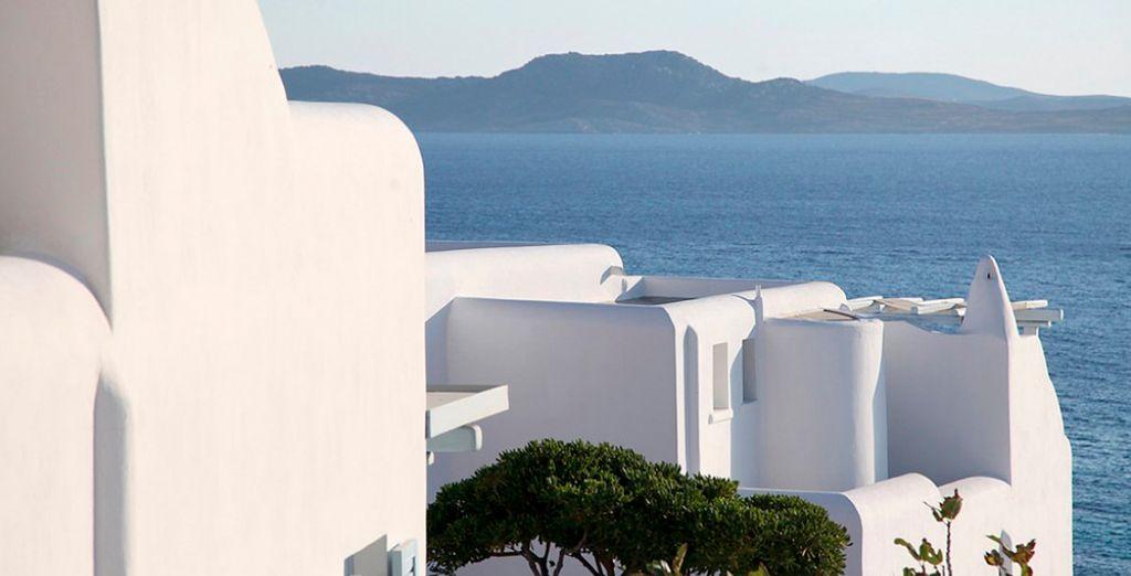 De typische Egeïsche architectuur met witte huisjes