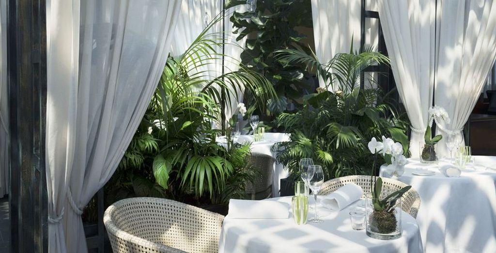 Restaurant La Grande Limonaia biedt u traditionele Mediterraanse gerechten aan