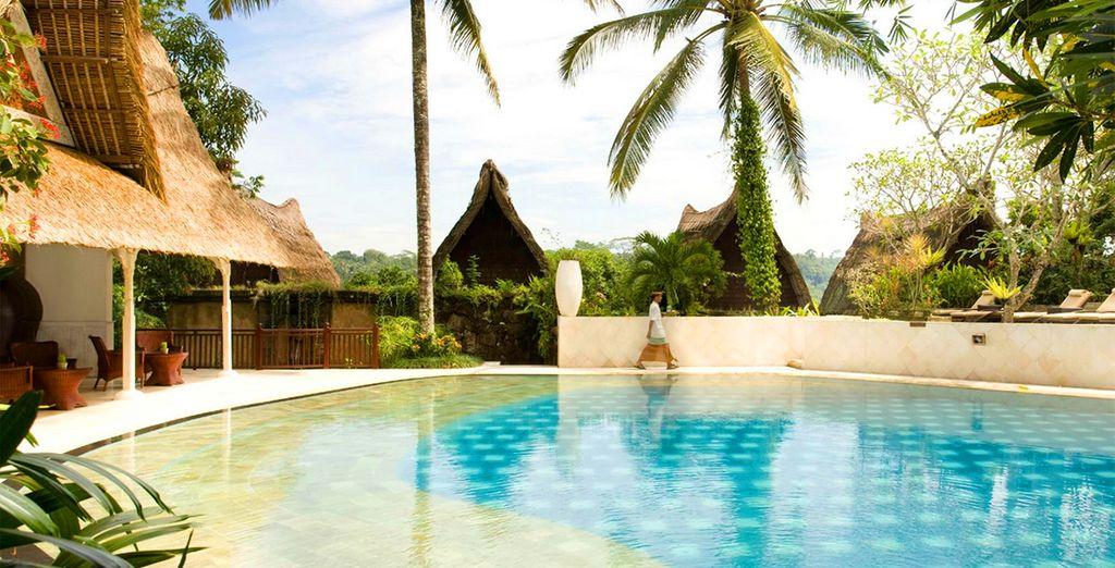 Ontspan in een van de prachtige zwembad van het hotel