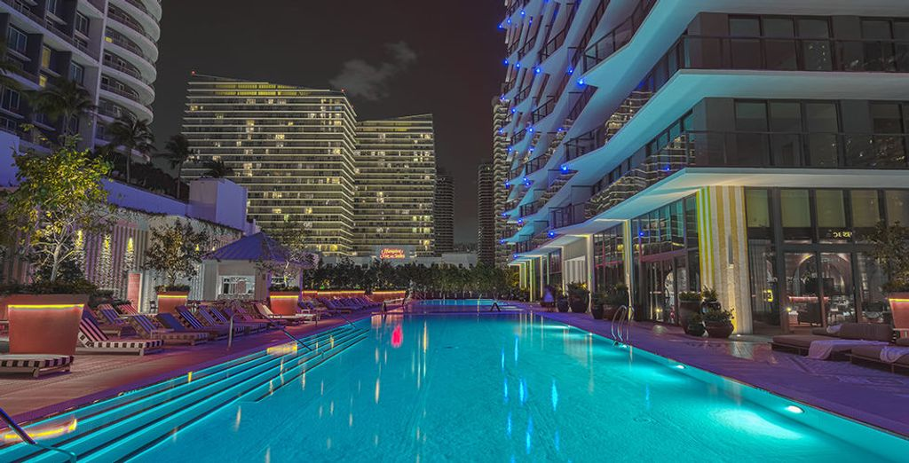 Terug in het hotel is het tijd voor een verfrissende duik