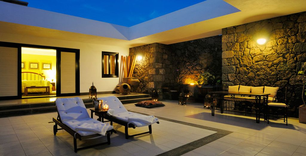 And a superb private terrace with whirlpool bath for those evenings under the starry skies