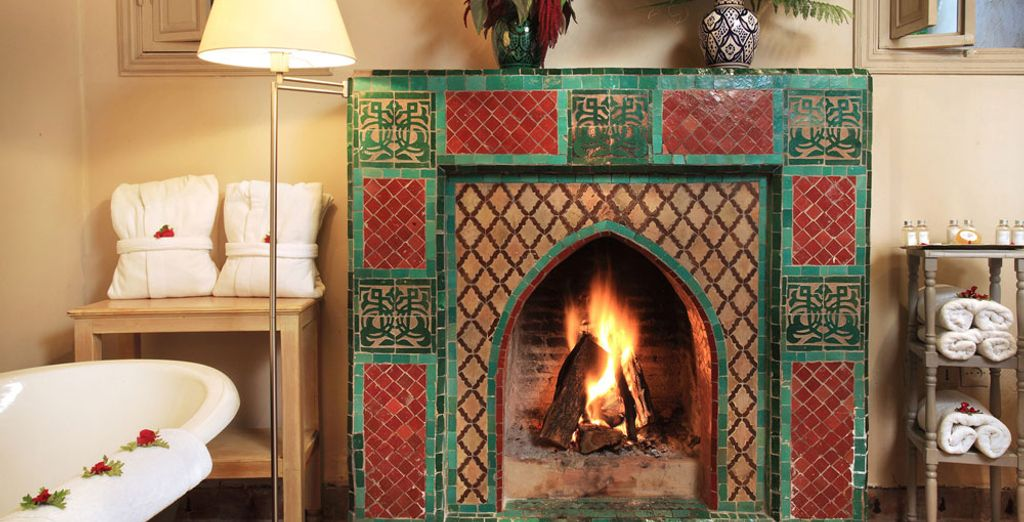 To enhance the beautiful mosaics on the fireplace