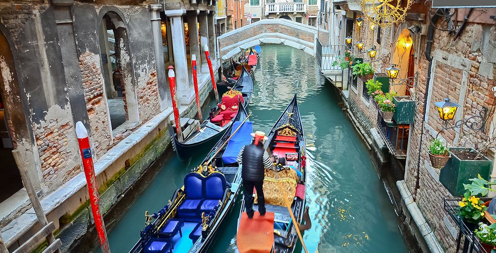 The attractions of Venice are just 10 minutes away