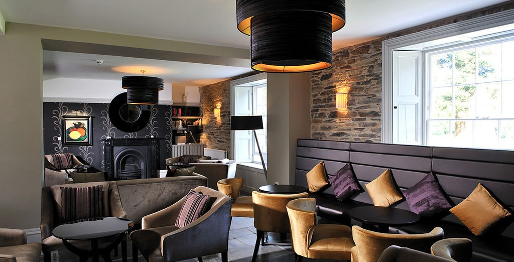 then end the day with a drink in the cosy lounge!