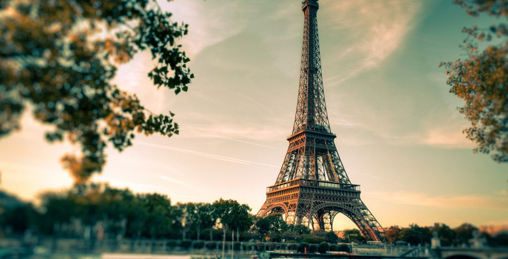 Paris travel guide - The Eiffel Tower