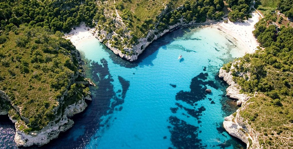 Go discover Menorca with last minute offers