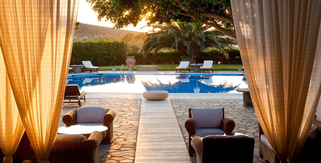 Walk into paradise - Yria Hotel Luxury Resort & Spa 5* Paros