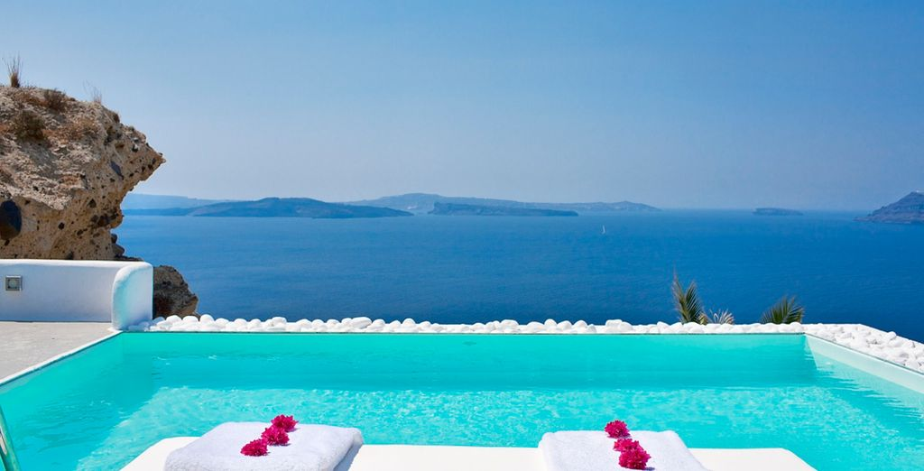 Awe-inspiring views of the caldera from the 5* Villa Katikies - Villa Katikies 5* Santorini