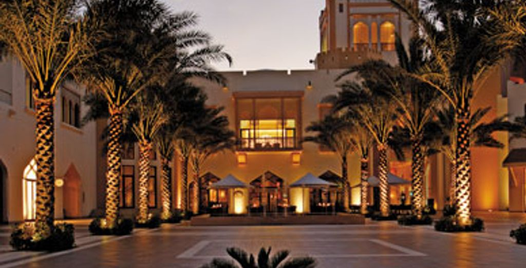 - Shangri-La's Barr Al Jissah Resort & Spa, Al Bandar***** - Muscat - Oman Muscat
