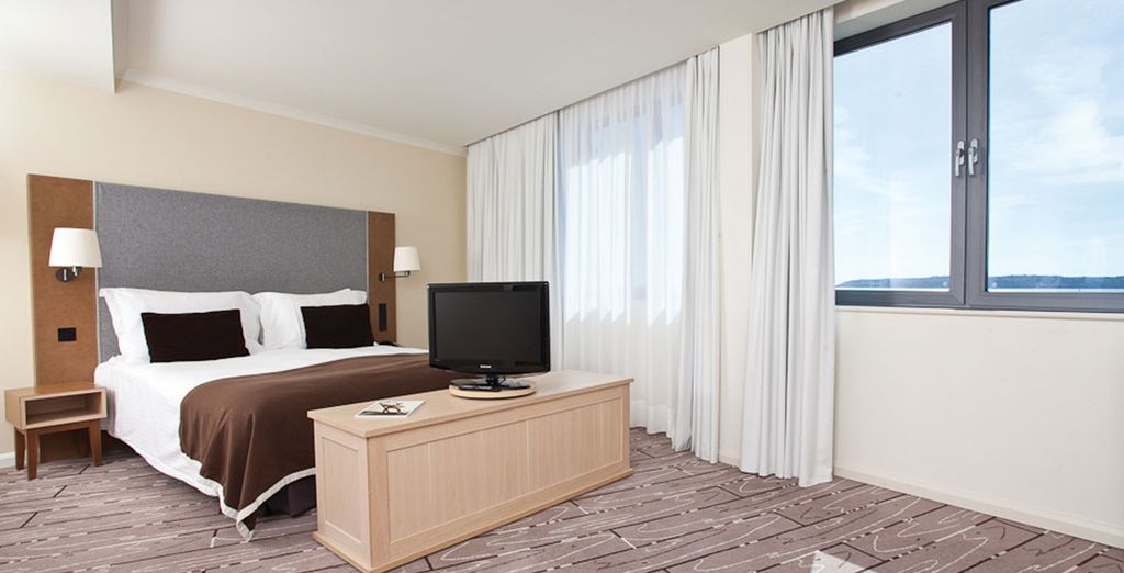 The Radisson Blu Waterfront features comfortable rooms - yours will face the sea