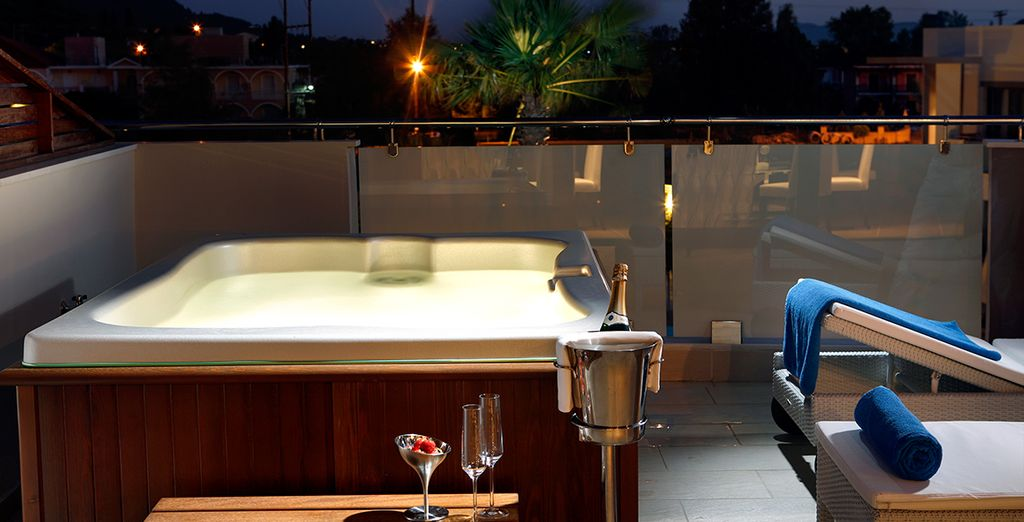 Complete the perfect holiday with a glass of bubbly in the Jacuzzi