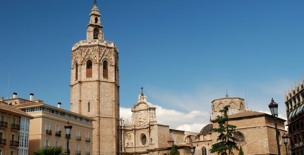 Visit some of Valencia's famous landmarks