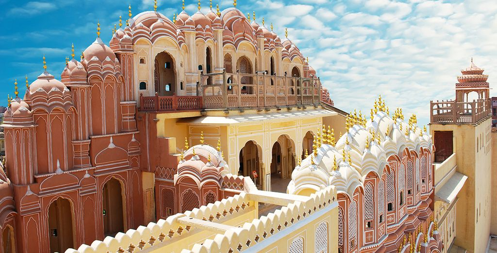 The red sandstone city of Jaipur is enchanting