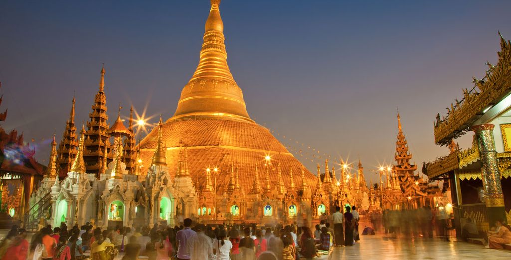 The golden gilded Shwedagon Pagoda