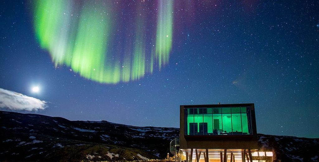 Witness the magnificent sights of Iceland