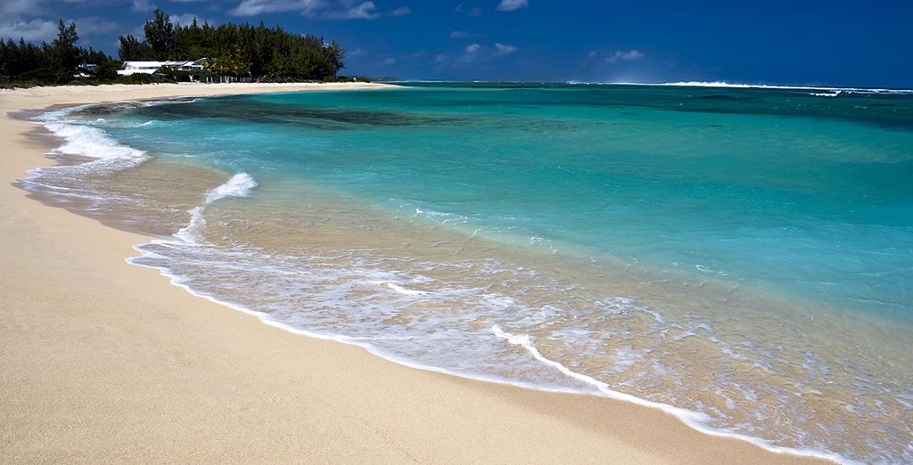 Where white sands and blue skies await... - La Palmeraie 4* Belle Mare