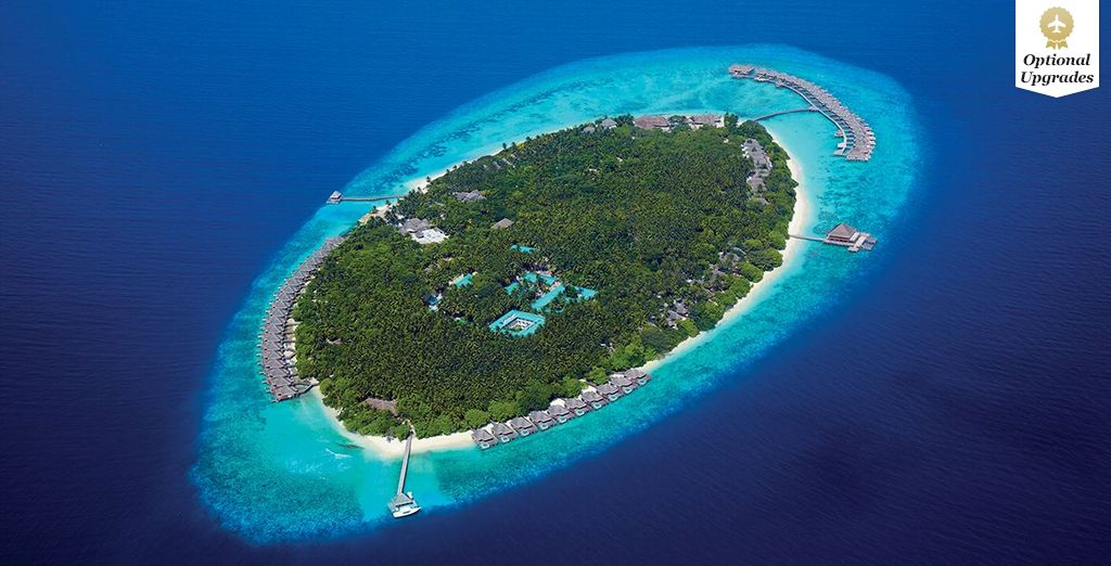 Fall in love with this paradise island resort - Dusit Thani 5* Maldives