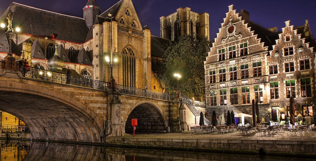 Renowned for its canals, cobbled streets and medieval buildings