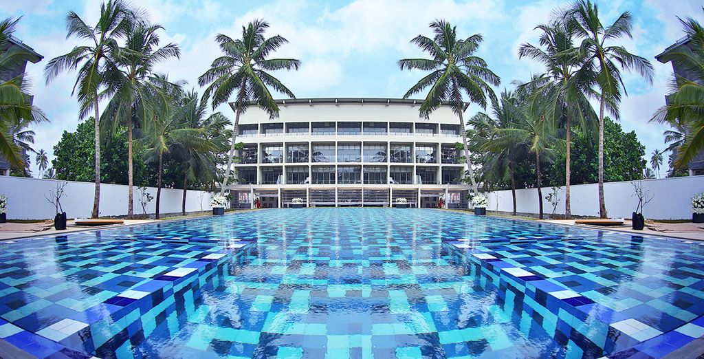 For an all inclusive stay at Taprobana Wadduwa