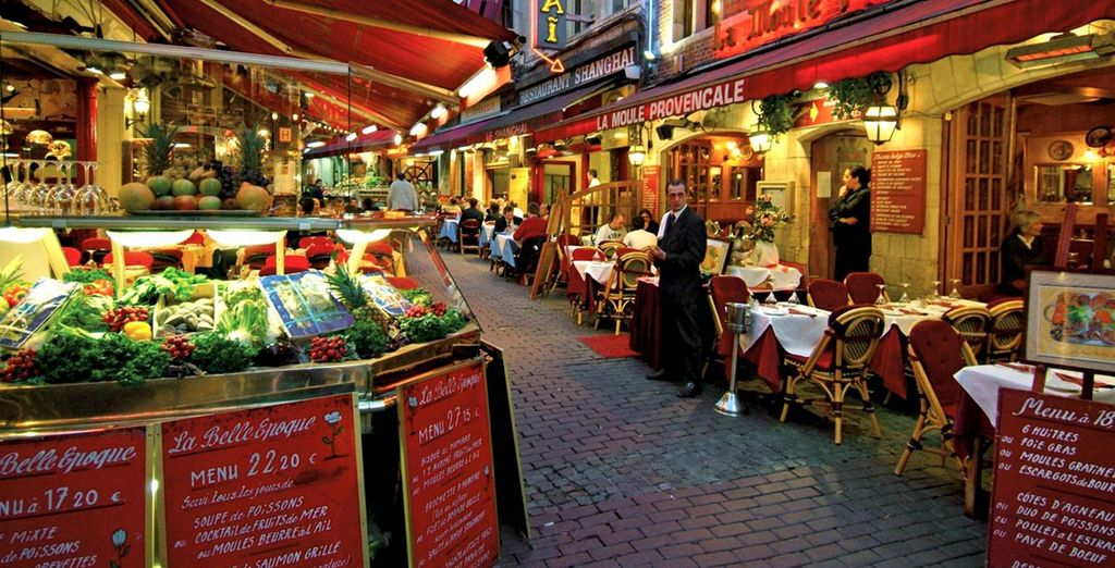 Full of bustling food markets and cosy cafes