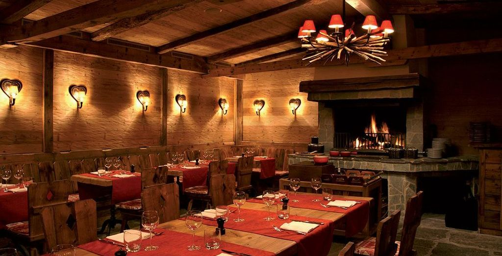 Enjoy a cosy evening meal by the fire