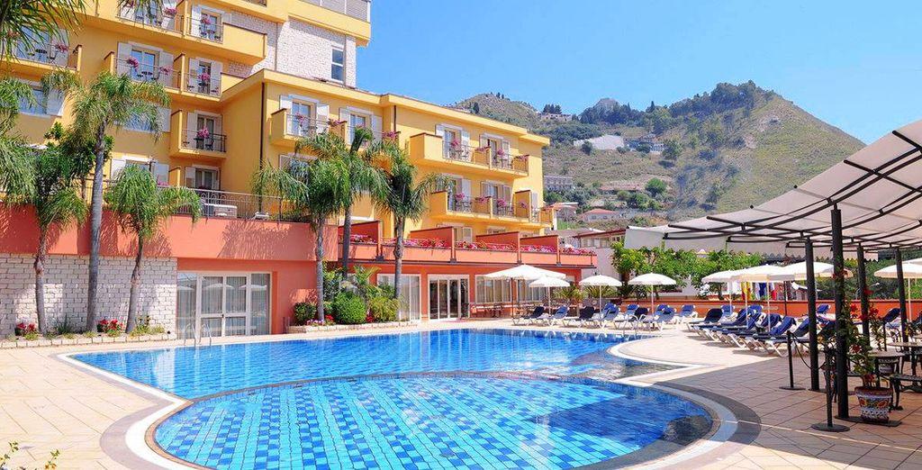 Welcome to Diamond Hotel & Resort Naxos