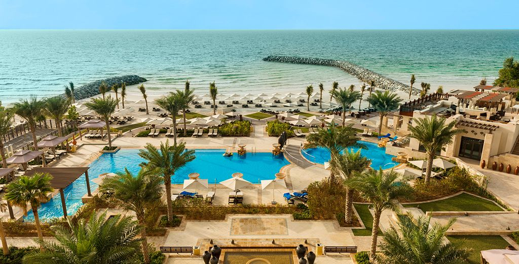 Welcome to Ajman Saray, a Luxury Collection Resort 5*