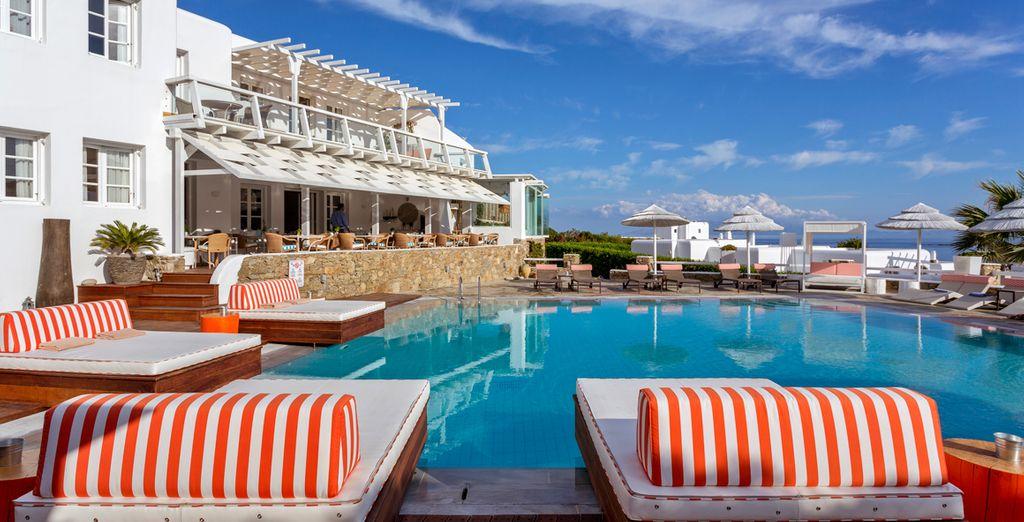 Admire the beautiful vistas of Mykonos from your sun lounger... - Archipelagos Hotel Mykonos 4* Mykonos Town