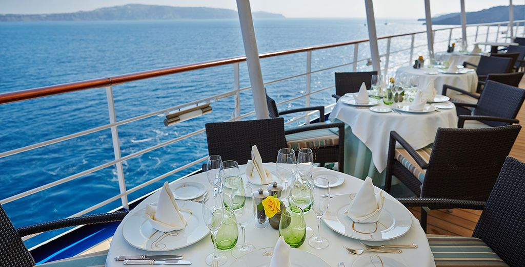 Set sail for the Caribbean on board the 5* Seven Seas Mariner