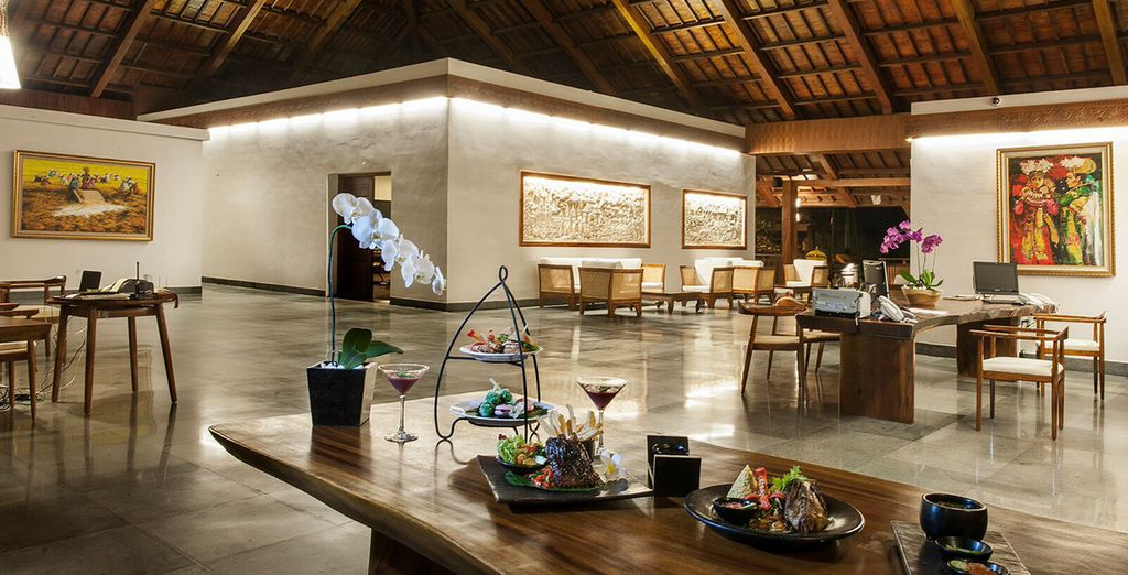 Which features authentic Balinese decor